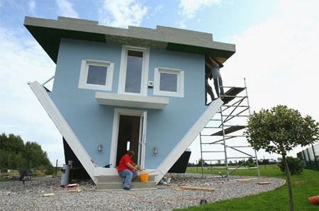 upside_down_house_2