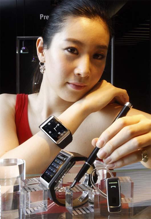 samsung_s9110_watchphone_1